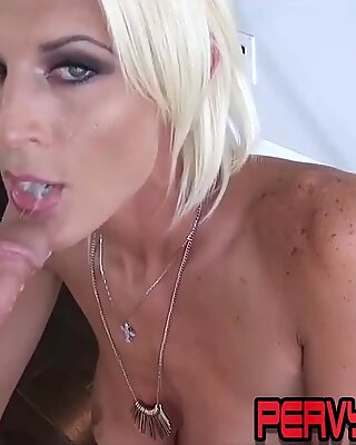 Skanky housewife sucking