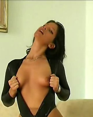 Susi streching in nylon pantyhose