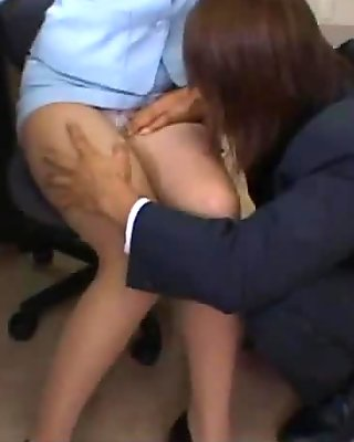 Office Lady In Pantyhose Getting Her Legs And