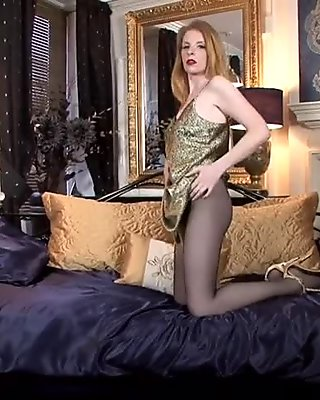 Mature Blonde's Pussy Under Pantyhose