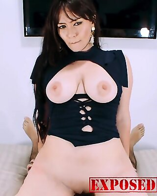 KOURTNEY IS BACK TO GIVE ME A DELICIOUS BLOWJOB