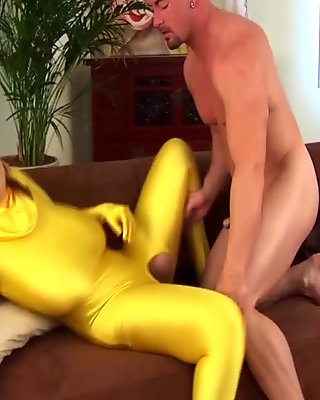 Erotic beauty in spandex and pantyhose masturbates