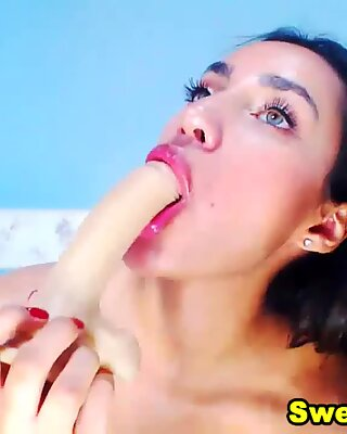 Sexy Babe Fucking Her Pussy With Dildo
