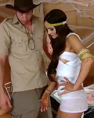 Indiana Jones & Queen of Egypt