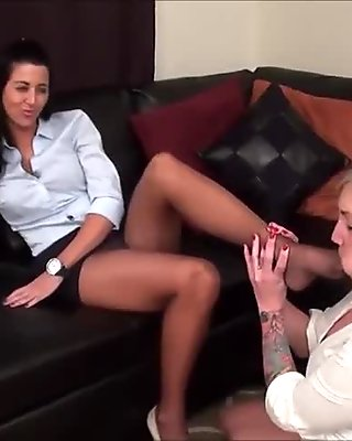 pantyhose feet worship, she cant resist