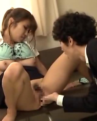 Japanese AV Model is an amateur in ripped pantyhose