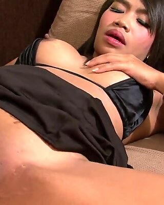 Highly sexual brunette sucking and getting fucked in her pus