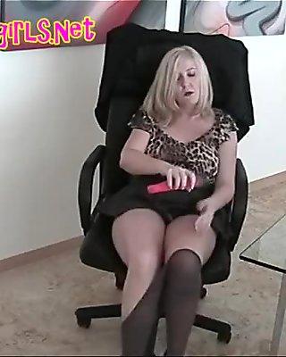 BBW Secretary In Pantyhose Dildo Fuck