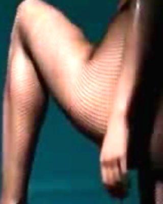 fluent babe masturbating in pantyhose