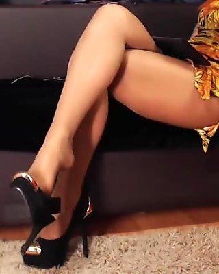 Girl in pantyhose footplay