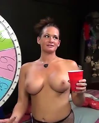 Busty hoochie Tory Lane in fishnet pantyhose gives blowjob