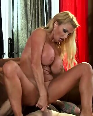 Passionate Taylor Wane fucks in a living room