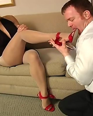 Maxine loves her pantyhose