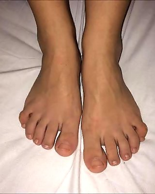 Anna's nylon feet (size 37), part 2
