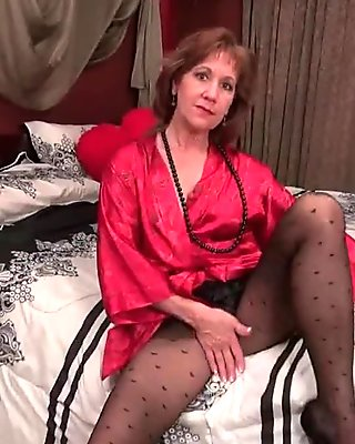 Black pantyhose will send mom over the edge