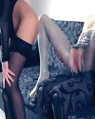 Hot lezzs in pantyhose again in action