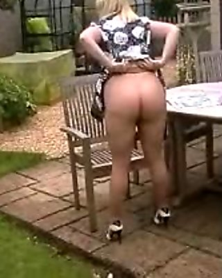 bbw amateur housewife in tan seamless pantyhose masturbates in her garden