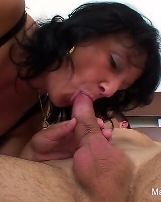 Granny fucks a younger guy