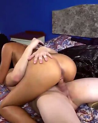 Soldier fucks arab so I make deal with her to suck and pulverize to pussy