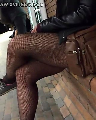 Sexy Nylon Covered Legs Seen In Public
