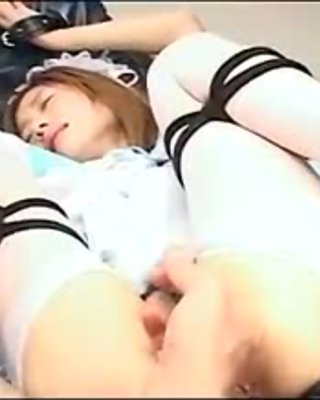 Japanese maid in ripped pantyhose is fingered before sucking