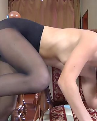 PantyhoseLine Movie: Bella and Pete