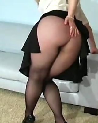 Pussy show in pantyhose by Nina Hartley