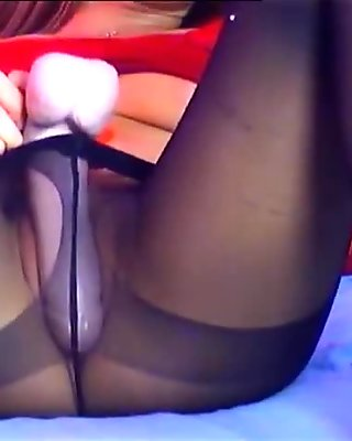 Tigresswild in pantyhose fucks his ass through the hole