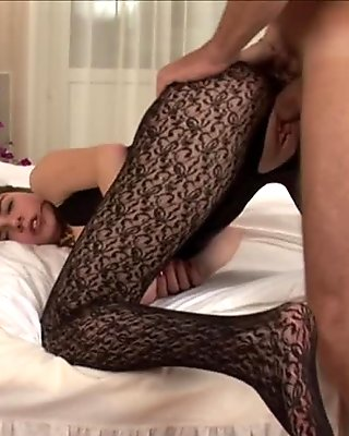 Amateur chick in pantyhose fucking and sucking rod