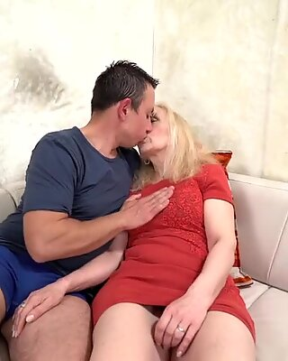 Sexy granny loves hardcore sex with hard cock