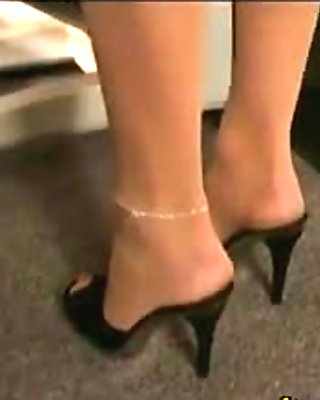 Lesbians With A Fetish For Pantyhose