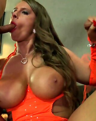 German MILF Sexy Susi Sucking and Pissing