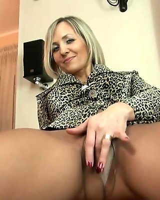 Big ass cougar is ready for some steamy hardcore action