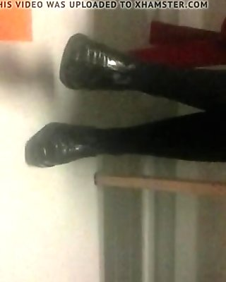 Hot mature legs in pantyhose