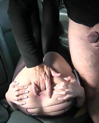 Amateur blondie gal in pantyhose railed by fake driver