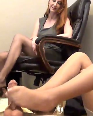 Pantyhose Footjob 4
